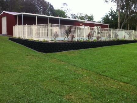 Swimming pool landscaping Brisbane - Link block retaining wall Brisbane
